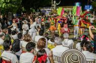 Carolina Segebre, reina del Carnaval, encabezó el homenaje anoche a Esther Forero en el parque que lleva su nombre en la carrera 43 con calle 74, en el norte de Barranquilla.