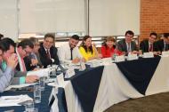 Miembros de la mesa de concertación salarial en la reunión del pasado martes.