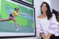 María Fernanda Herazo junto a la imagen de su participación en los Juegos.