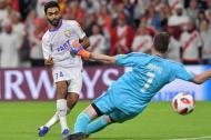 Franco Armani intentando atajar el segundo gol del Al Ain.