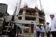 El gobernador Eduardo Verano supervisa los avances de la obra en Sabanalarga.