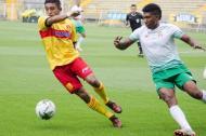 Acción del juego entre Barranquilla FC y el Bogotá FC en el estadio Metropolitano de Techo.