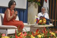 Martha Ruiz, comisionada, y Arturo Zea, coordinador para la Región Caribe de la Comisión de Verdad.