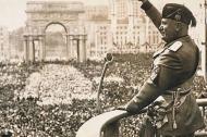 El político y militar Benito Mussolini, durante el acontecimiento conocido como 'Marcha sobre Roma', que lo llevó al poder en 1922.