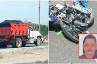 La volqueta que protagonizó el hecho y la víctima (en el recuadro) tendida en la vía, junto a la moto.