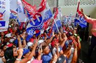 El candidato a la Presidencia de Panmá Laurentino Cotizo habla en medio de una manifestación política.