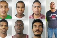 Siete de los ocho capturados por la Policía Metropolitana.