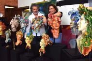 Carla Celia y Joaquín Botero junto a sus obras.