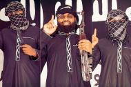 Zahram Hashim (izq), clérigo radical , presunto autor de atentados.