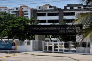 Fachada de la Fundación Universitaria San Martín, ubicada en el corredor universitario.
