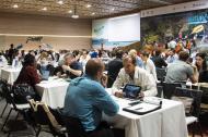 Empresarios en una rueda de negocios de ProColombia.