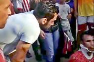 Sebastián Viera pendiente de la atención a la persona involucrada en el accidente.