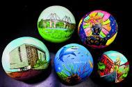 Bolas de trapo y artesanías de colección de Corozo.