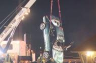 Rescate del vehículo donde se ahogaron los dos menores.