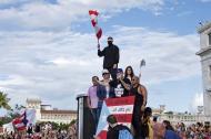 Bad Bunny, Residente, Gente de zona y otros artistas se unen a las protestas en Puerto Rico.