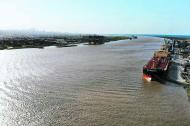 Panorámica del canal de acceso al Puerto de Barranquilla, vista desde la Sociedad Portuaria de Palermo.