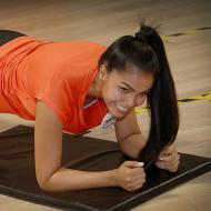 Tonifique el cuerpo con planchas y flexiones de pecho