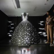 'The Ball', la exposición de moda en el Museo del Diseño de Israel