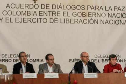 Los negociadores del Gobierno y el ELN en el anuncio del inicio de la fase pública, el pasado 10 de octubre en Caracas, Venezuela.