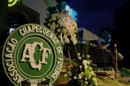 Los homenajes póstumos a las víctimas del accidente aéreo han sido multitudinarios por todo el mundo.