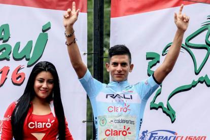 El corredor barranquillero Nelson Soto celebrando uno de sus triunfos en Panamá.