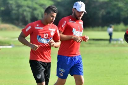 Alexis Pérez y Sebastián Viera en la práctica de ayer.