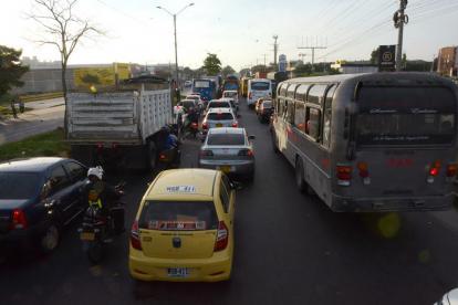 Mejorar el caos vehicular sobre la calle 30 es una de las consignas del proyecto anunciado por la Alcaldía.