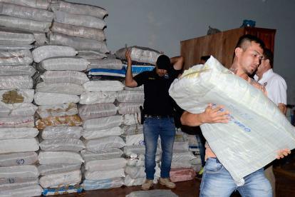 Resultado de imagen para Vuelca camión que transportaba a Asunción 25 toneladas de dinero venezolano