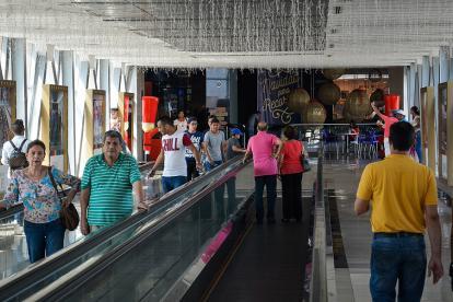 Este es el puente peatonal que comunica a los centros comerciales Buenavista I y II.