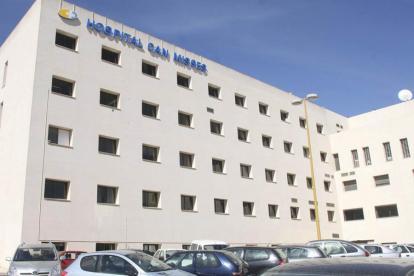 En el hospital Can Misses fue intervenido el paciente.