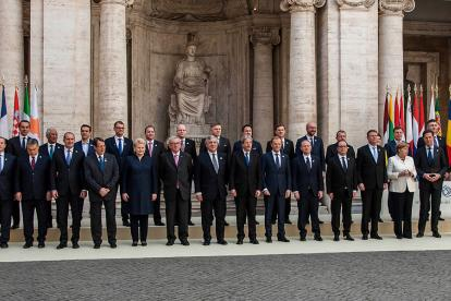 Los jefes de Estado o de Gobierno de los 27 países de la Unión Europea, en la conmemoración de los 60 años de los Tratados de Roma.