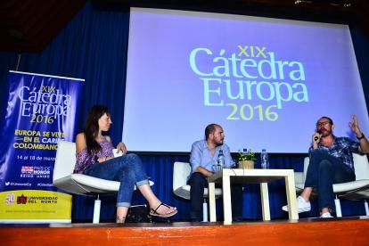 Imagen de un conversatorio de la versión XIX de la Cátedra Europa.