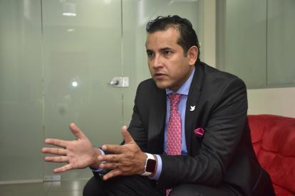 El presidente del Icetex, Andrés Vásquez, durante la entrevista en EL HERALDO.