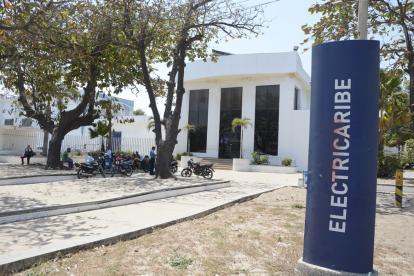 Fachada de la empresa de energía Electricaribe ubicada en Barranquilla.