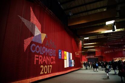 2017 año Colombia - Francia, el pabellón del país invitado en la Feria del Libro.