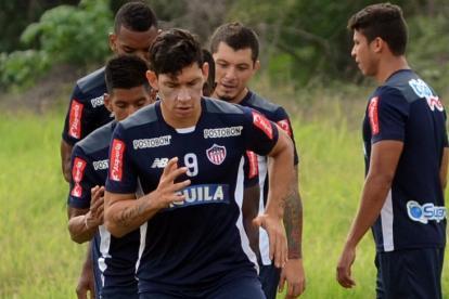 El delantero paraguayo Roberto Ovelar en un entrenamiento con el Junior.