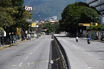 La avenida Francisco de Miranda, de Caracas, con poco tráfico vehicular ayer.