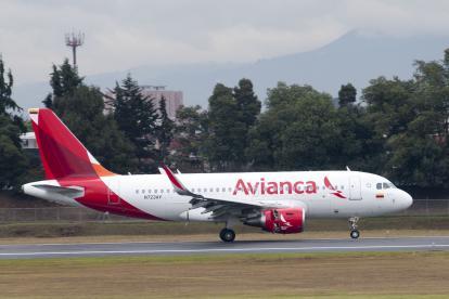 El avión Airbus modelo A319 que hace parte de la flota de Avianca.