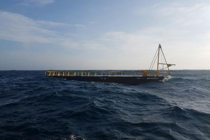 Barcaza que era remolcada por 'El Griego' y que sirvió para que los cuatro tripulantes a bordo se salvaran.