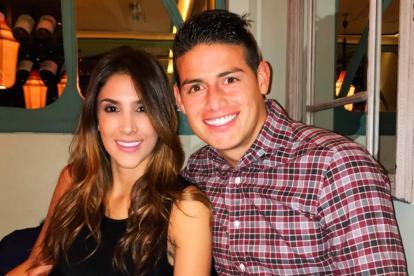 El colombiano James Rodríguez junto a la modelo Daniela Ospina.
