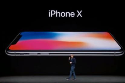 Tim Cook durante la presentación del iPhone X