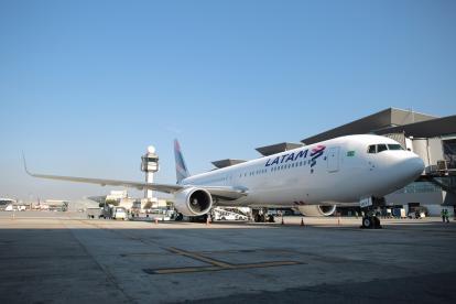 Avión de la aerolínea LAN.