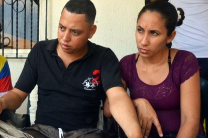 Johan David Rodríguez Vega junto a su esposa Sandy Paola Zambrano contaron lo difícil que han sido estos días sin su hija.