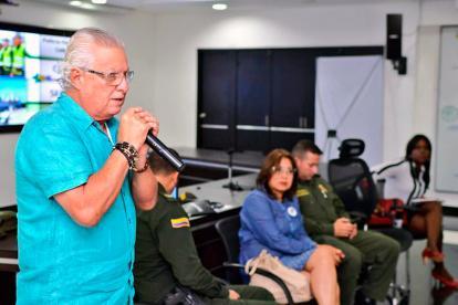 El alcalde Joao Herrera cuando anunciaba los cambios en la jornada escolar.