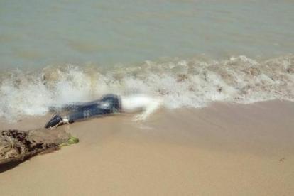 El cuerpo apareció a dos kilómetros al norte de la base de la Policía Antinarcóticos en Puerto Estrella.