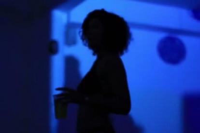 Pantallazo del video de la fiesta.