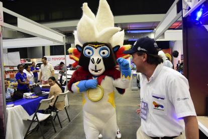 La mascota de los Centroamericanos, 'Baqui', durante un evento en la ciudad.