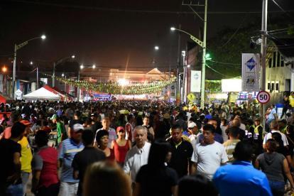 Centenares de personas asistieron en 2017 a 'Baila la calle', evento que repite este año.