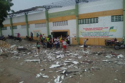 Daños que dejaron las fuertes brisas en Sabanalarga.
