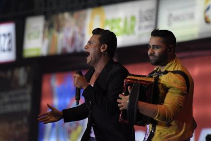 El cantante Silvestre Dangond durante su presentación en Valledupar en el Festival Vallenato.